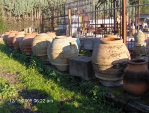 Green Garden Elements, Rustic Garden Urns, Rustic European Materials