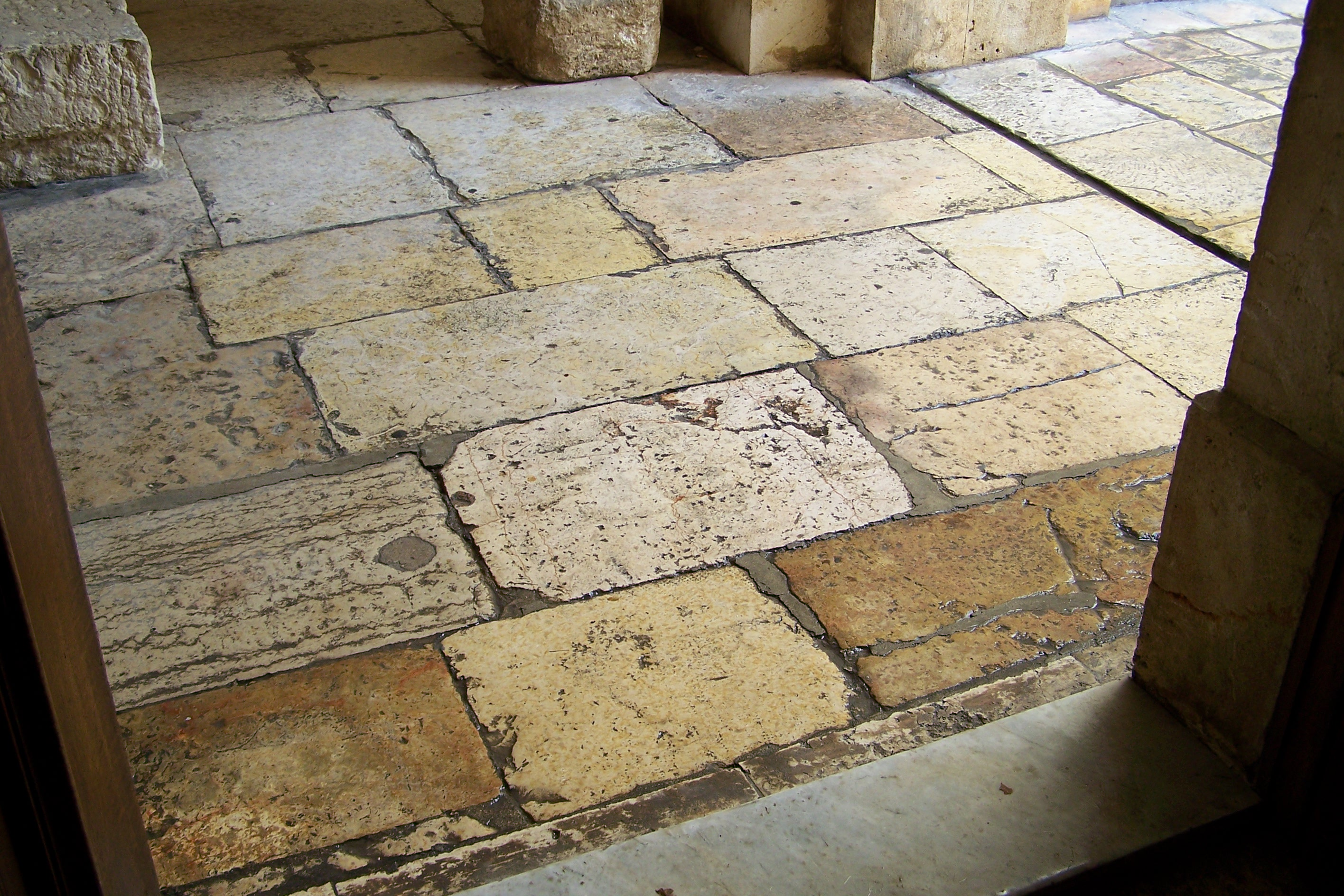 Reclaimed limestone flooring alyssamyers for Traditional flooring