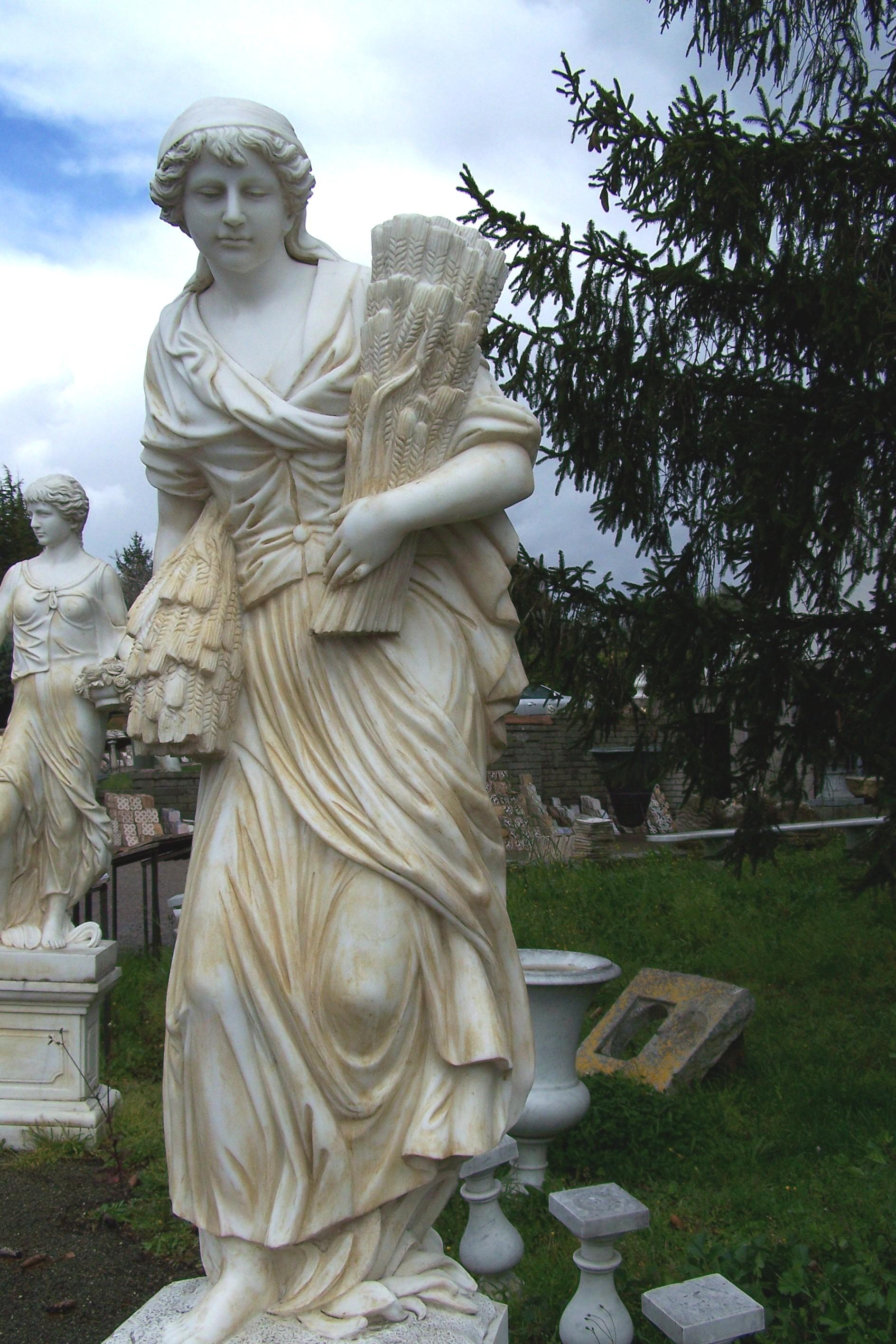 Ancient European Garden Statue Garden Element