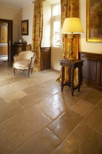 Bourgogne Antique Stone Floor