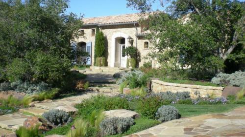 Stone Flagstone Landscaping