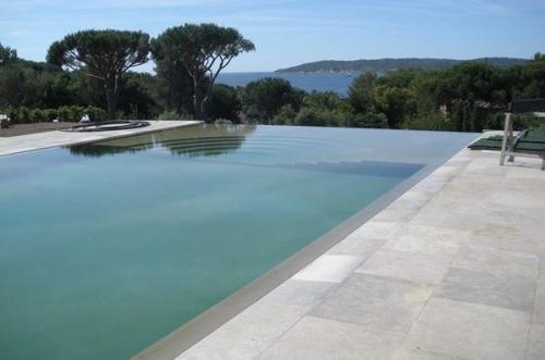 Limeyrat Brushed Pool Stone