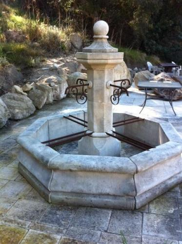 large-stone-fountains-european